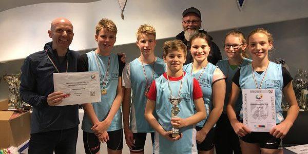 FBG Triathlon-Team lässt alle hinter sich und löst das Ticket zum Bundesfinale nach Berlin
