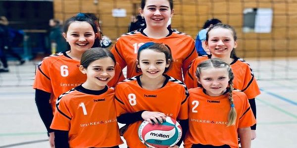 Volleyball am FBG: WK4-Mädchen holen als jünstes Team den vierten Platz bei den Bezirksmeisterschaften