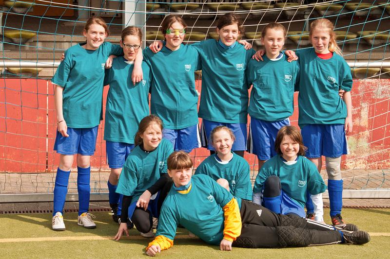 fbg_dieschule_schulmannschaften_fussball_2012_01